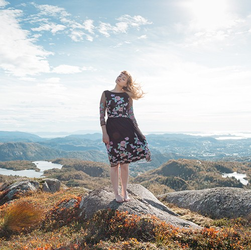 Tiny Twisst Norway Black Dress Portrait-FI